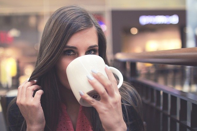 コーヒーを飲むと快感が増す